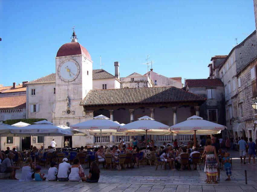 Hodinová veža v Trogire